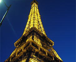 20_paris_Eiffel-Tower_02